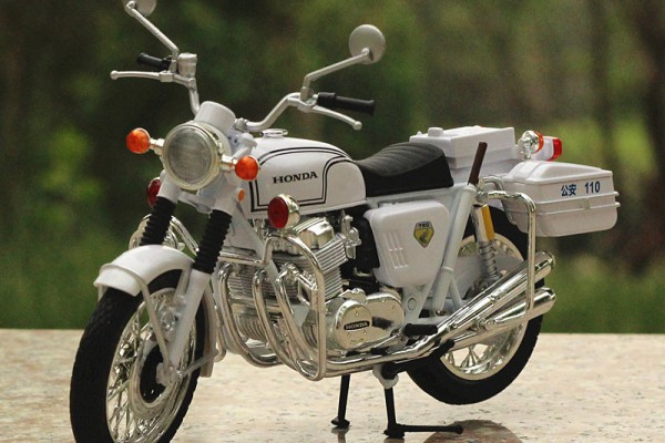 Honda Dream CB750FOUR 1:12 JoyCity