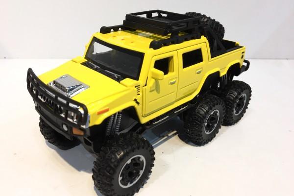 Hummer H2 SUT 6x6 Off-Road 1:32 TY Models