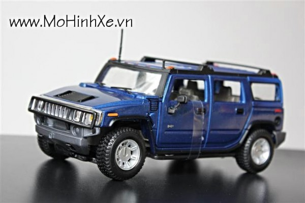 Hummer H2 SUV 1:27 Maisto
