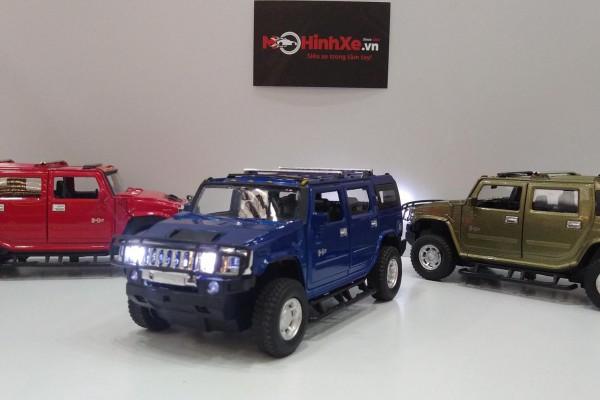 Hummer H2 SUV 1:32 MZ