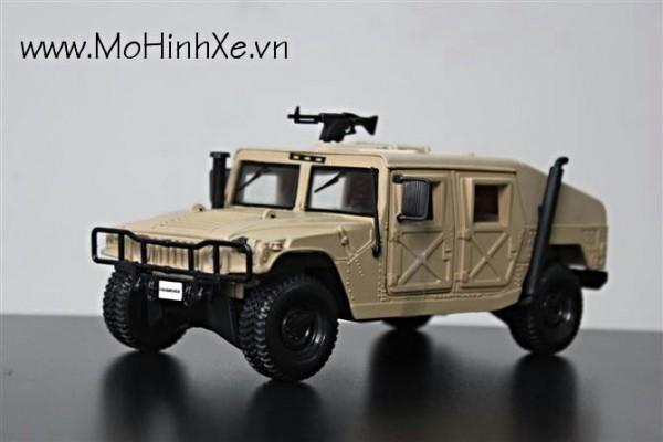 Humvee 1:27 Maisto