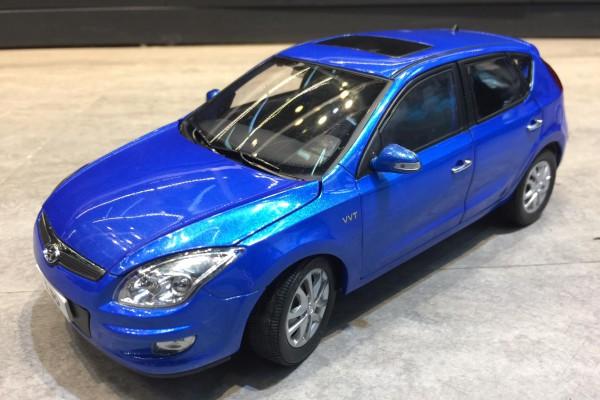 Hyundai i30 1:18 Paudi