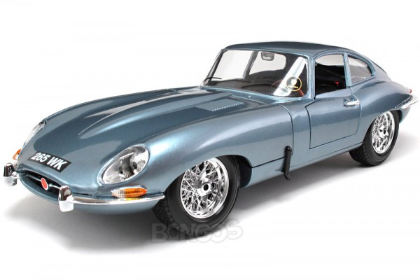 Jaguar E-type Coupe 1:18 Bburago