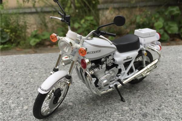 Kawasaki 750 RS-P 1:12 JoyCity