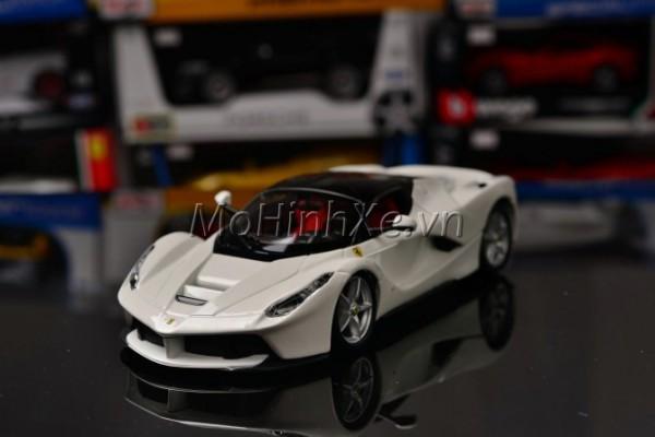 Ferrari LaFerrari 1:24 Bburago