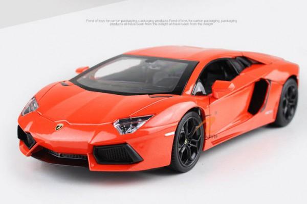 Lamborghini Aventador LP700-4 1:18 KDW