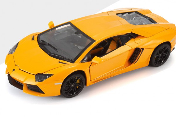 Lamborghini Aventador LP700-4 1:18 MZ