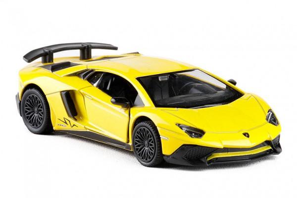 Lamborghini Aventador LP750-4 SV 1:36 RMZ City