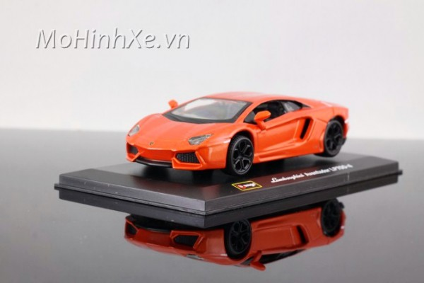 Lamborghini Aventardo LP700-4 1:32 Bburago