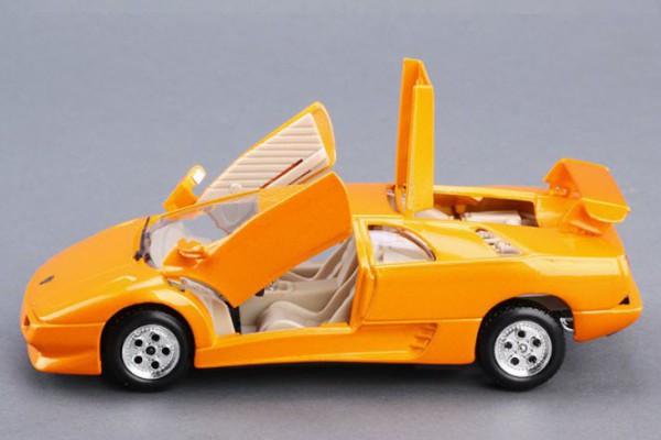 Lamborghini Diablo 1:24 Bburago