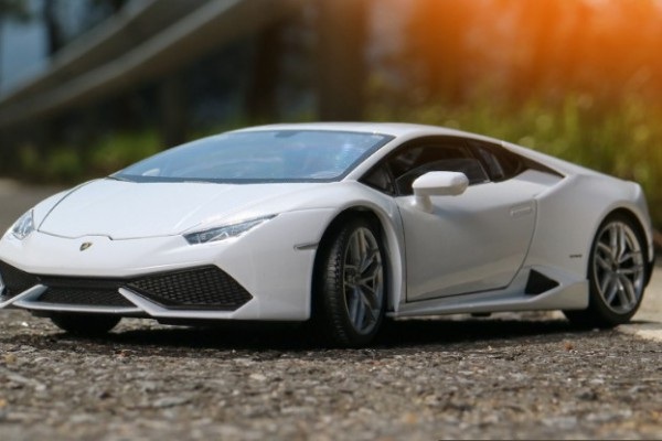 Lamborghini Huracan LP610-4 1:18 Welly