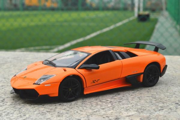 Lamborghini Murcielago LP670-4 SV 1:24 MZ
