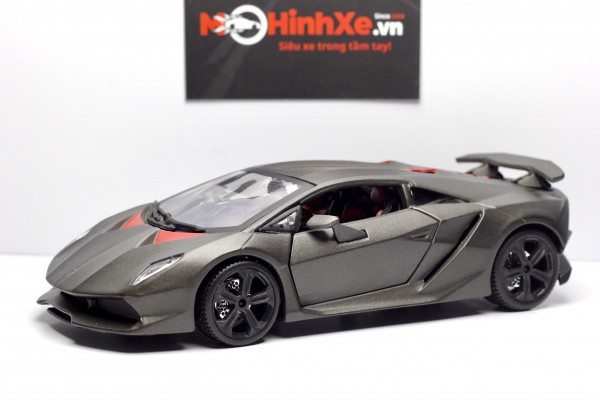 Lamborghini Sesto Elemento 1:24 Bburago
