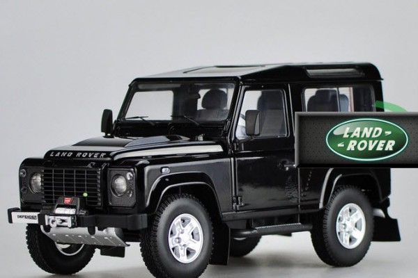 Land Rover Defender 1:18 Kyosho