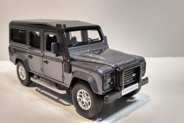 Land Rover Defender 1:36 Jackiekim