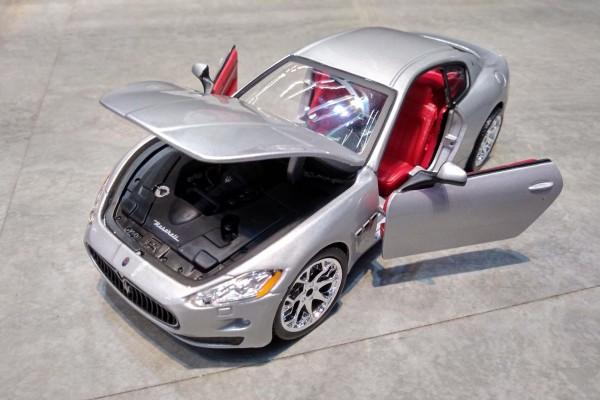 Maserati GranTurismo 1:24 Bburago