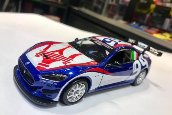 Maserati Granturismo MC GT4 1:32 MSZ