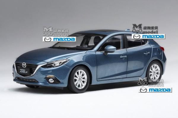 Mazda 3 Hatchback 1:18 Paudi