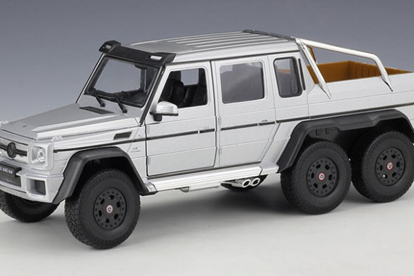 Mercedes-Benz G63 AMG 6x6 1:24 Welly-FX
