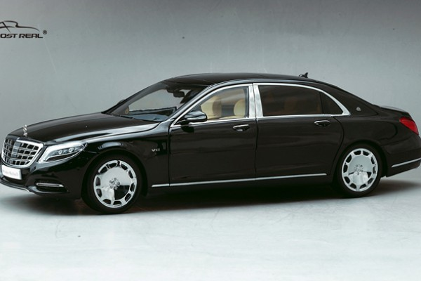 Mercedes-Benz Maybach S-Class 1:18 Almost Real