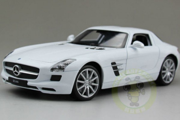 Mercedes-Benz SLS AMG 1:24 Welly-FX
