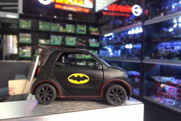 Mercedes-Benz Smart Fortwo Of Batman 1:36 Hãng khác-