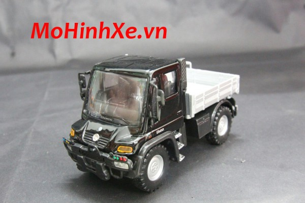Mercedes-Benz Unimog U400 1:36 Welly
