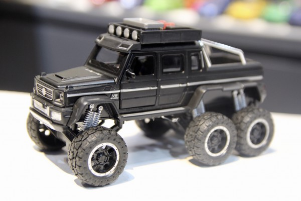 Mercedes-Brabus G63 AMG 6x6 Off-Road 1:32 Double Horses