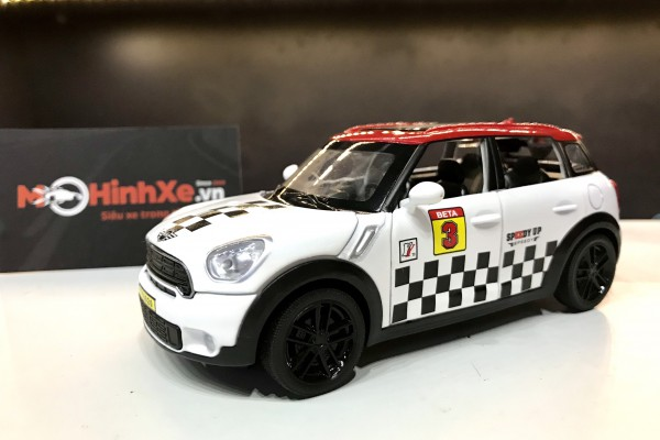 Mini Cooper S Countryman 1:32 TY Models