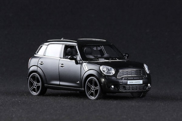 Mini Cooper S Countryman 1:36 RMZ City