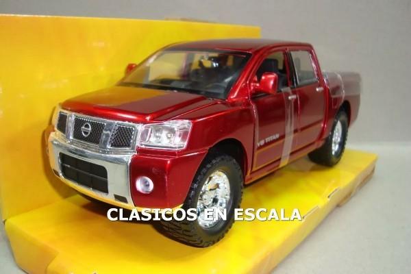 Nissan V8 Titan 1:24 Jada