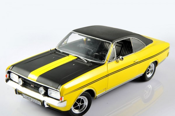 Opel Commodore GS/E 1:18 Revell