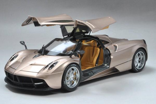Pagani Huayra 1:18 GT Autos