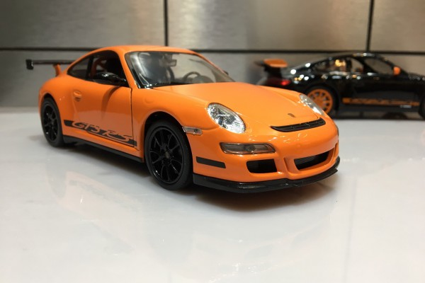 Porsche 911 (997) GT3 RS 1:24 Welly