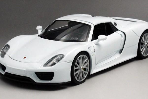 Porsche 918 Spyder 1:24 Welly-FX