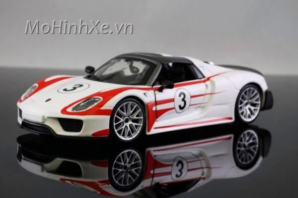 Porsche 918 Weissach 1:24 Bburago