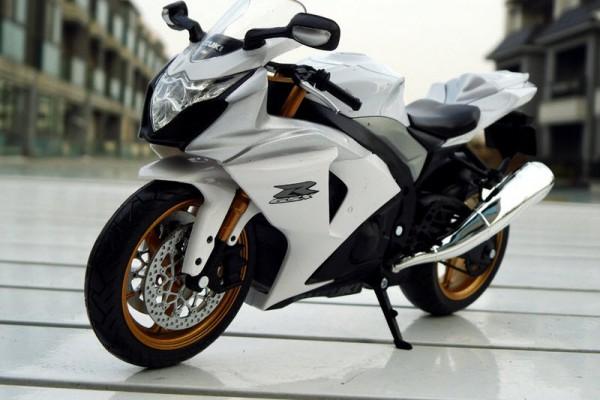 Suzuki GSX-R1000 1:12 JoyCity
