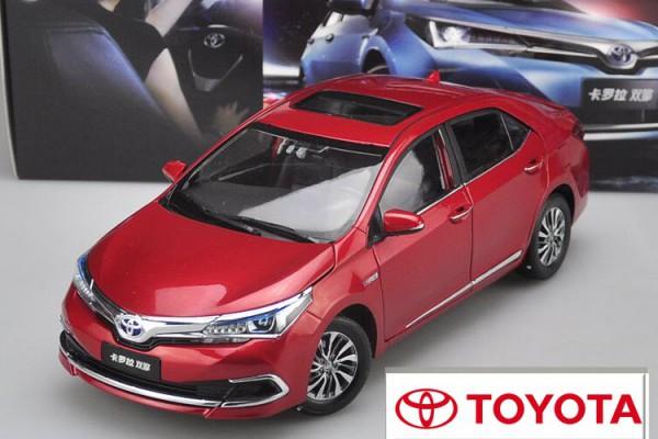 Toyota Corolla Hybrid 2015 1:18 Paudi