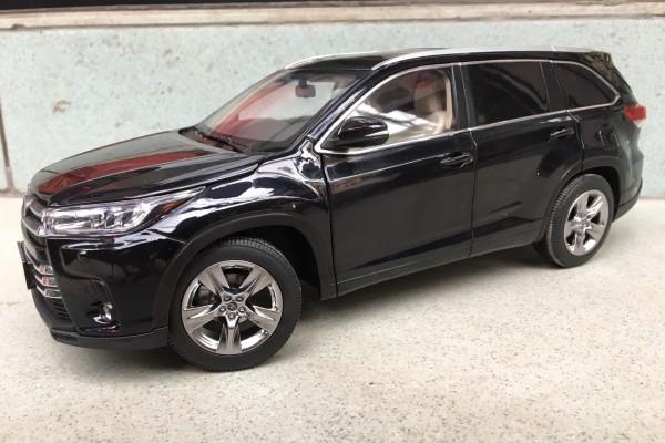 Toyota Highlander 2018 1:18 Paudi