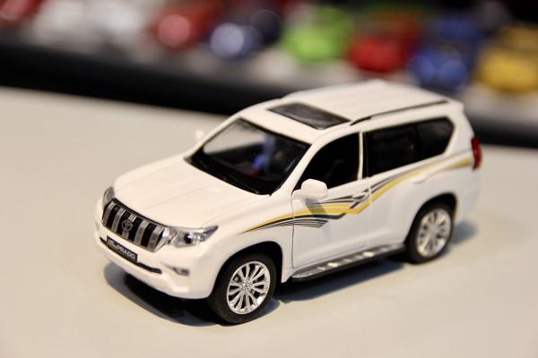 Toyota Land Cruiser Prado 2019 1:32 MSZ