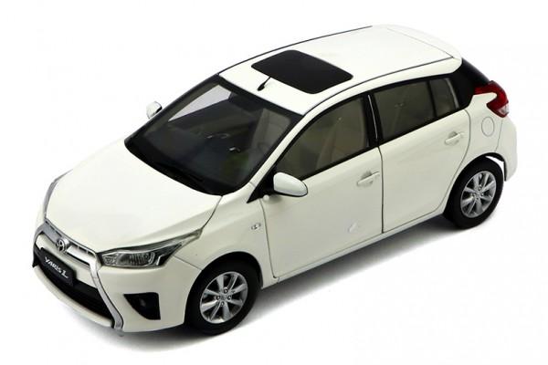 Toyota Yaris 2014 1:18 Paudi