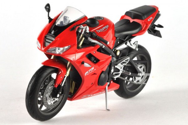 Triumph Daytona 675 1:10 Welly