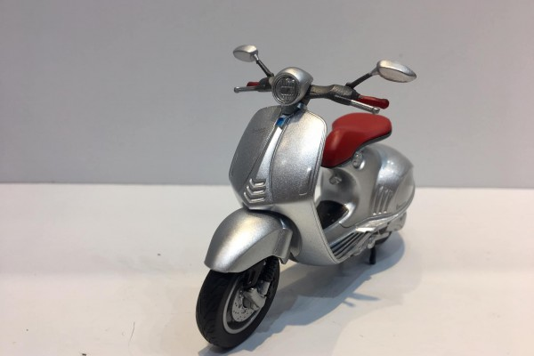 Vespa 946 1:18 Welly