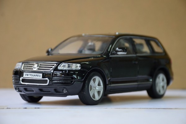 Volkswagen Touareg 1:24 Welly
