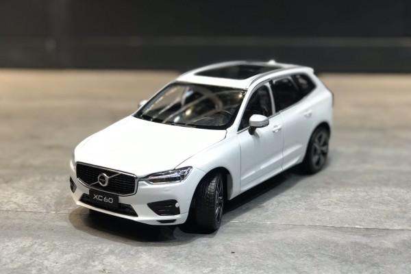 Volvo XC60 1:18 Paudi
