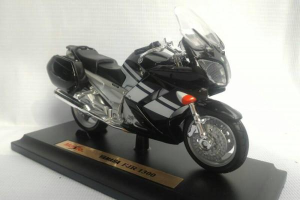 Yamaha FJR 1300 1:18 Maisto