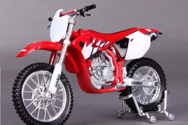 Yamaha YZ-450F 1:18 Maisto