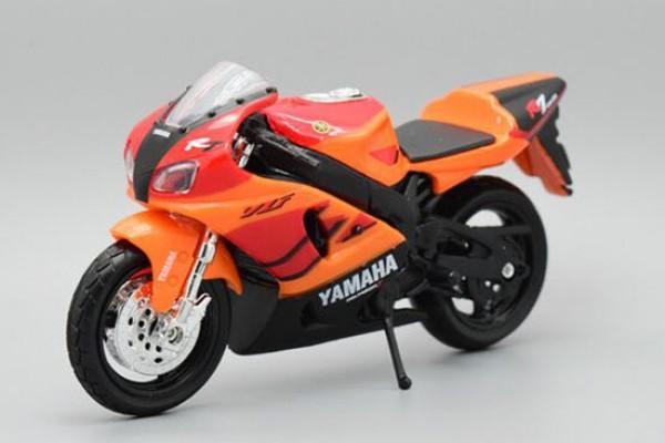 Yamaha YZF-R7 1:18 Maisto