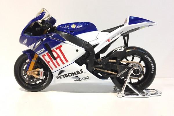 Yamaha YZR M1 GP No.46 1:10 Maisto