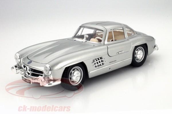 1954 Mercedes-Benz 300 SL 1:18 Bburago